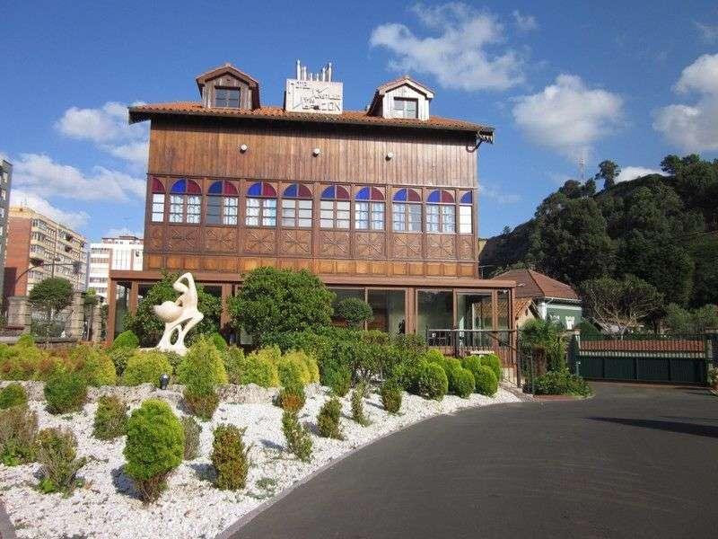 Castillo de gauz n comarca avil s - Hotel salinas asturias ...
